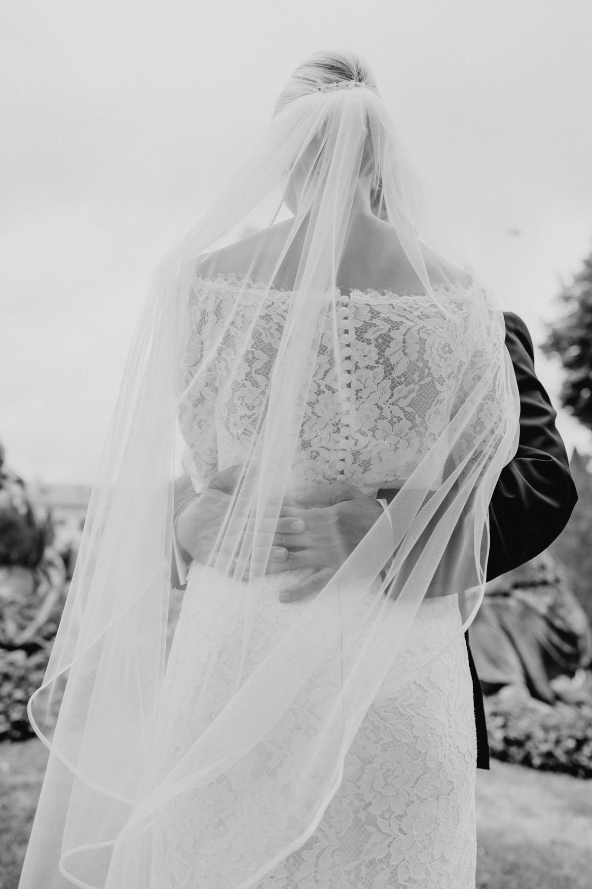Professionelle Fotografie von Braut und Braeutigam