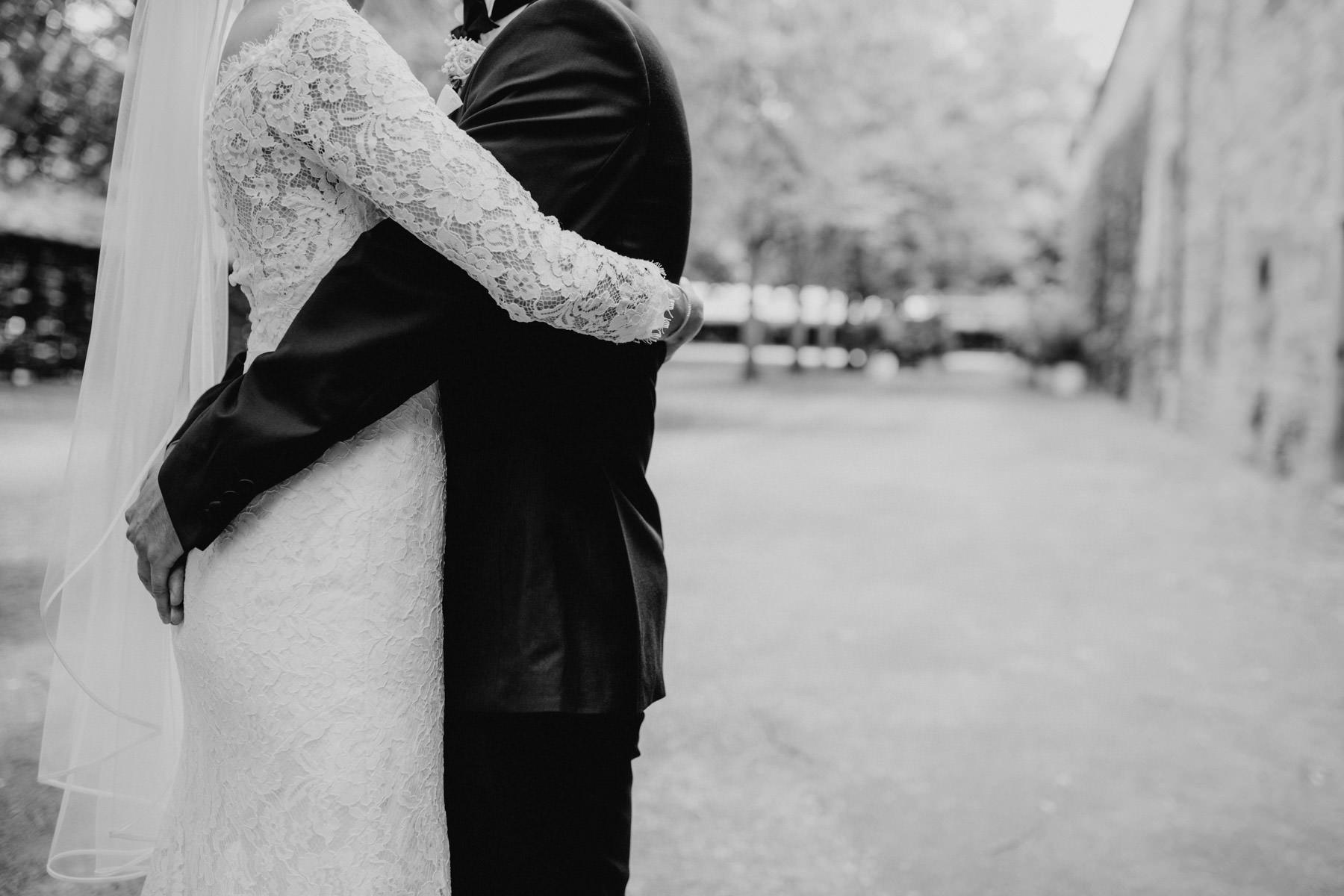 Stilvolle Fotografie von Braut und Braeutigam