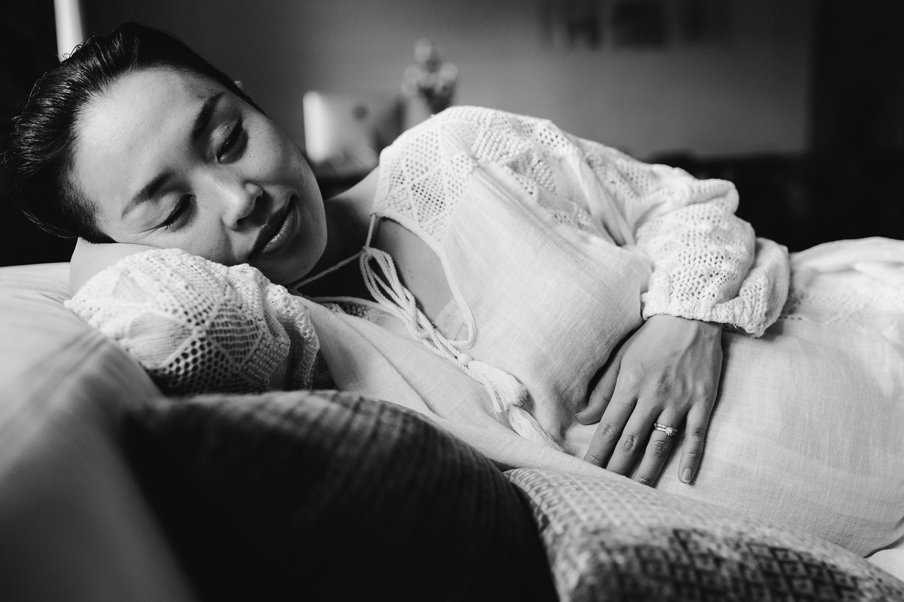 Professionelle Fotografie einer Frau mit Babybauch