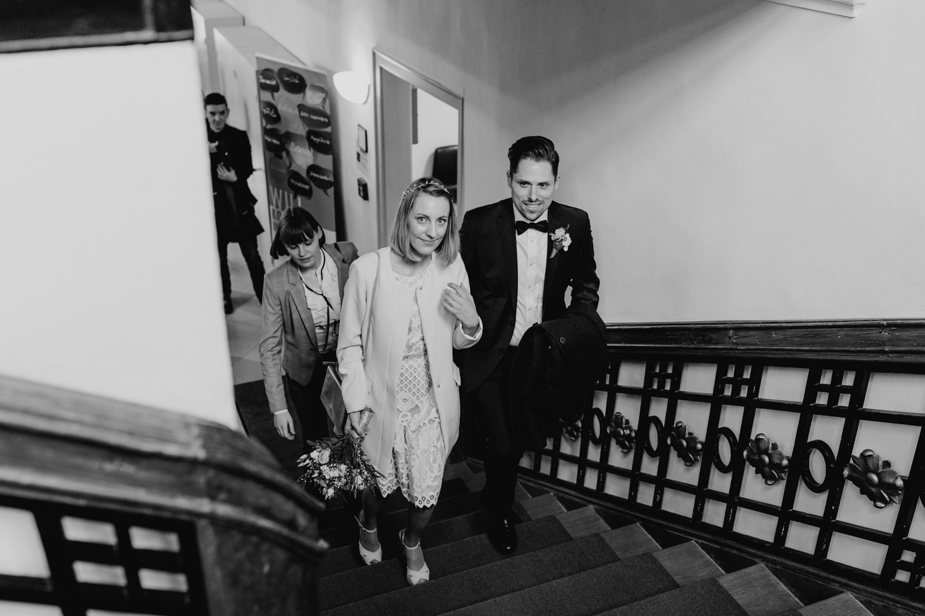 Fotografie von einem Hochzeitspaar im Standesamt