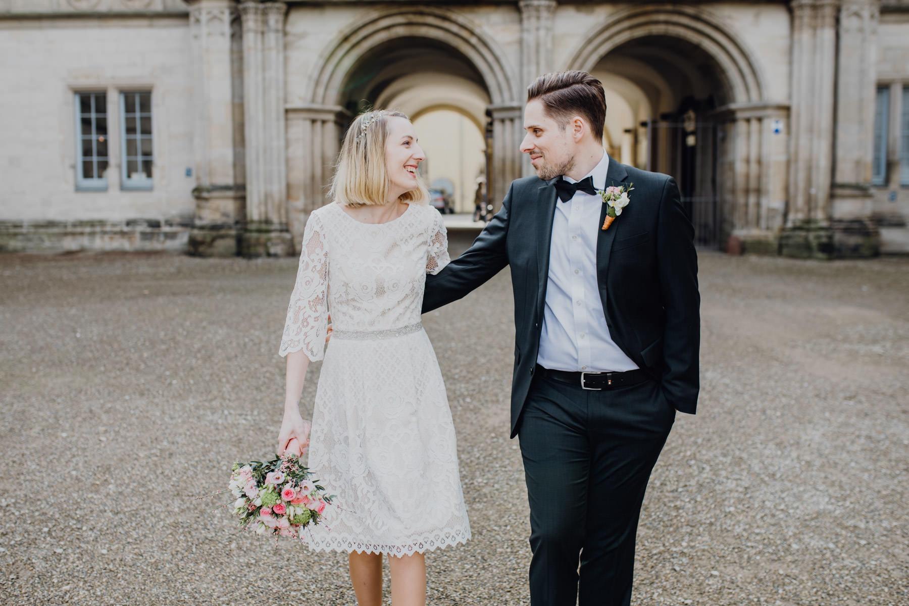 Portrait eines Paares am Tag der Hochzeit